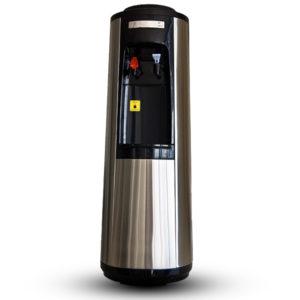 Ο ψύκτης συνδέεται απευθείας με την παροχή νερού, αλλά δέχεται και οποιαδήποτε μπουκάλα εμφιαλωμένου νερού.